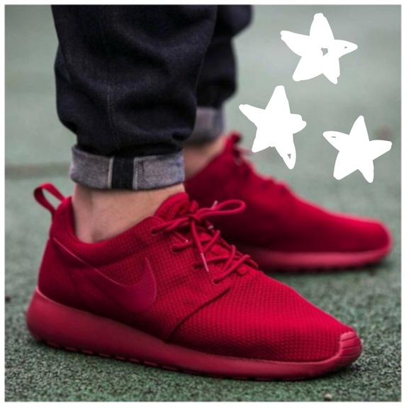 ec7985173b46b NIKE ROSHE RUN TRIPLE RED ••. M 5b50de6442aa7600ce72ad70